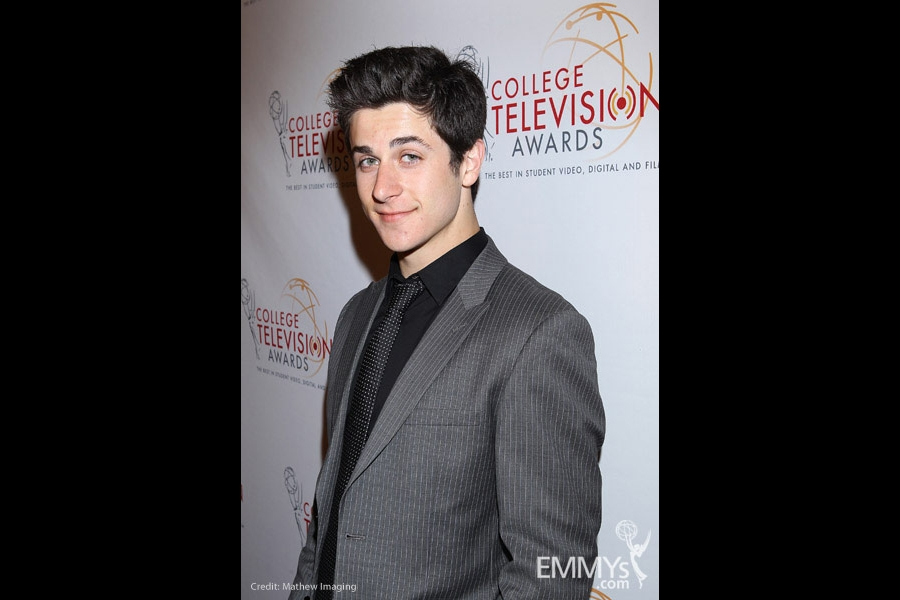 David Henrie at the 32nd College Television Awards