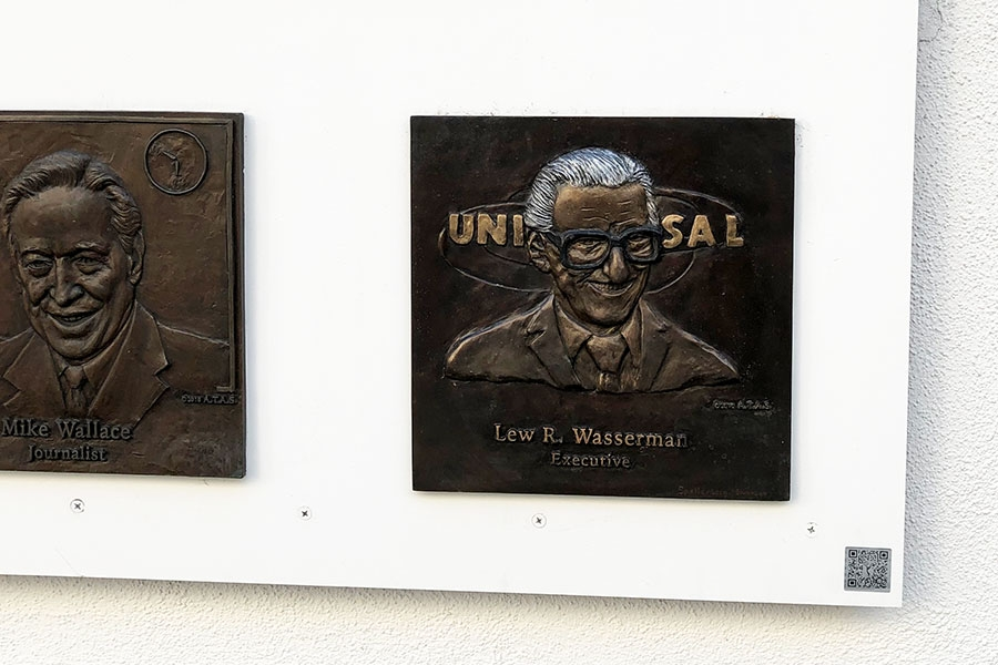 Plaque collections