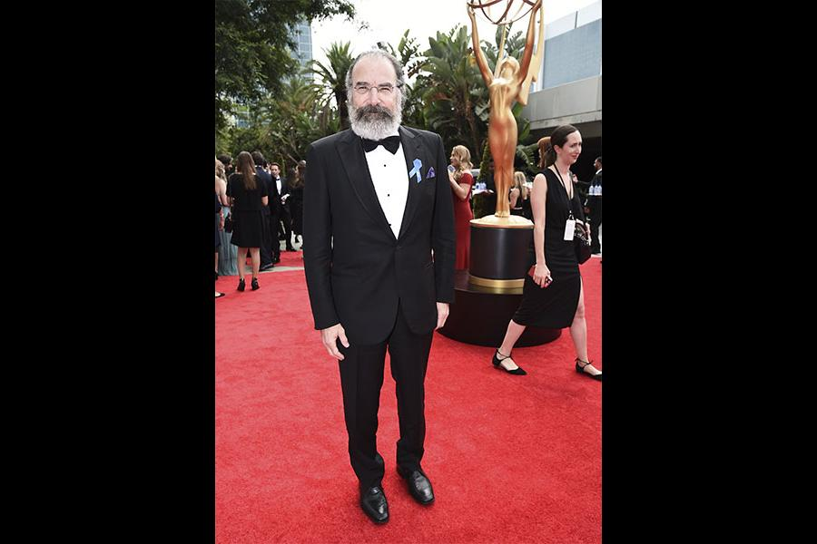 Mandy Patinkin on the reed carpet at the 69th Primetime Emmy Awards