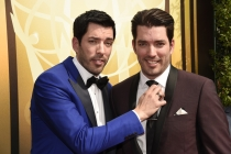 Drew Scott and Jonathan Scott on the Red Carpet at the 2015 Creative Arts Emmys.
