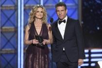 Kyra Sedgwick and Dennis Quaid present an award at the 2017 Primetime Emmys.